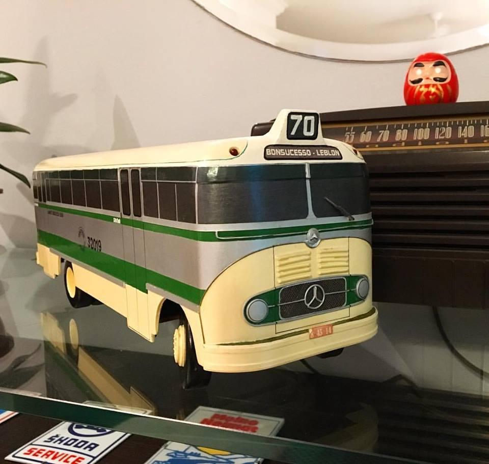 bus70