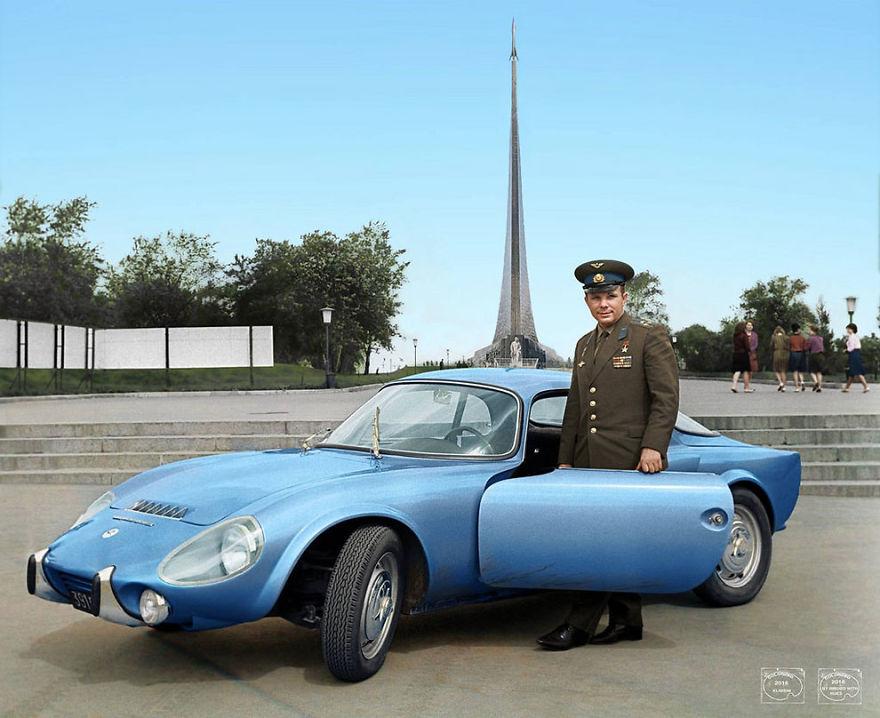 Yuri-Gagarin-With-His-Matra-Bonnet-Djet-Vs-Coupe-1965
